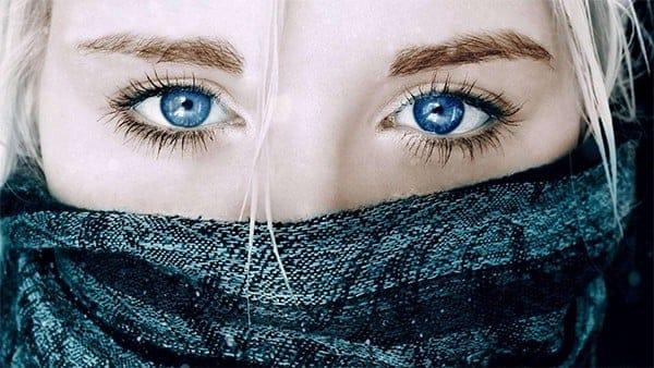 Resultado de imagem para foto de olhos azuis