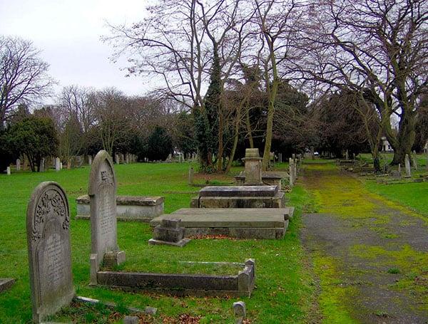 cemiterio-dartford-tricurioso-2