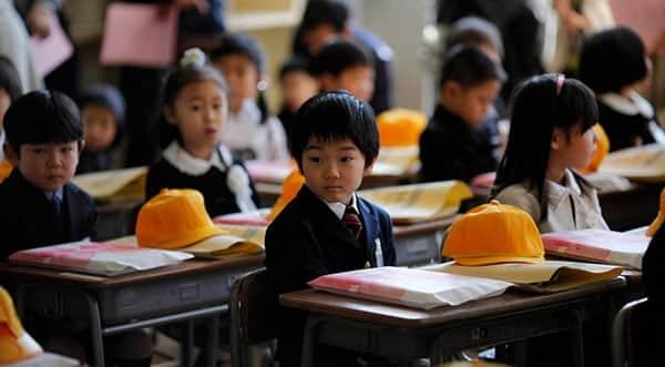 suicidio-japao-volta-as-aulas-2