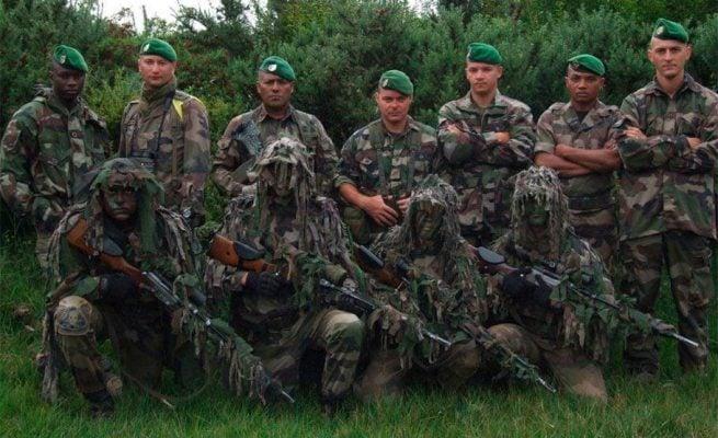 Você sabe por que os soldados usam boinas  f8977b19be0