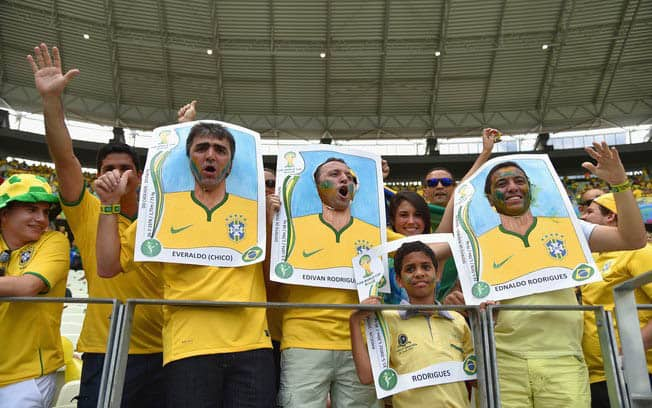 fantasia-figurinha_copa do mundo russia-2018 brasil tricurioso