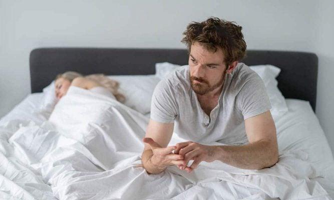 dormir quantas horas tricurioso sono