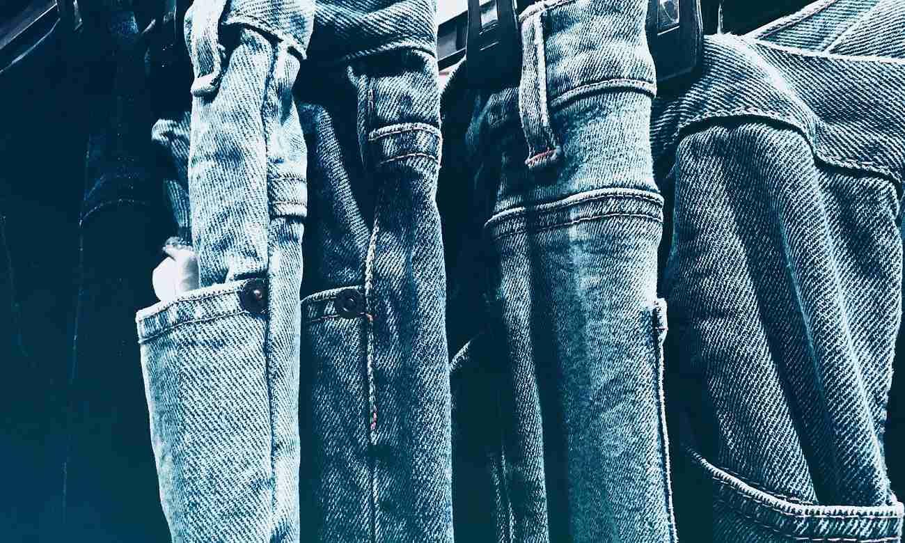 Qual a origem da calça?