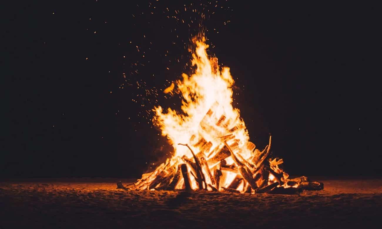 Por que se acende fogueira no São João?