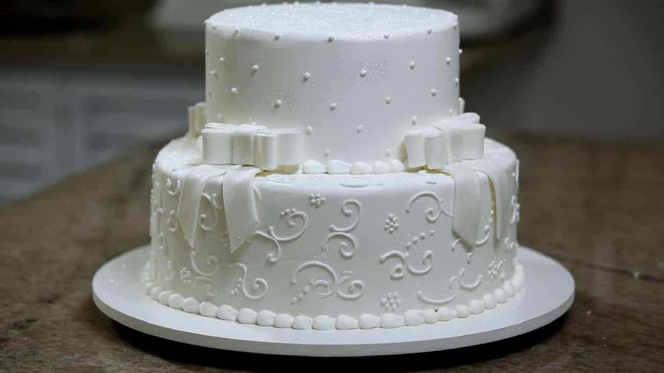 Qual a origem do bolo de noiva?