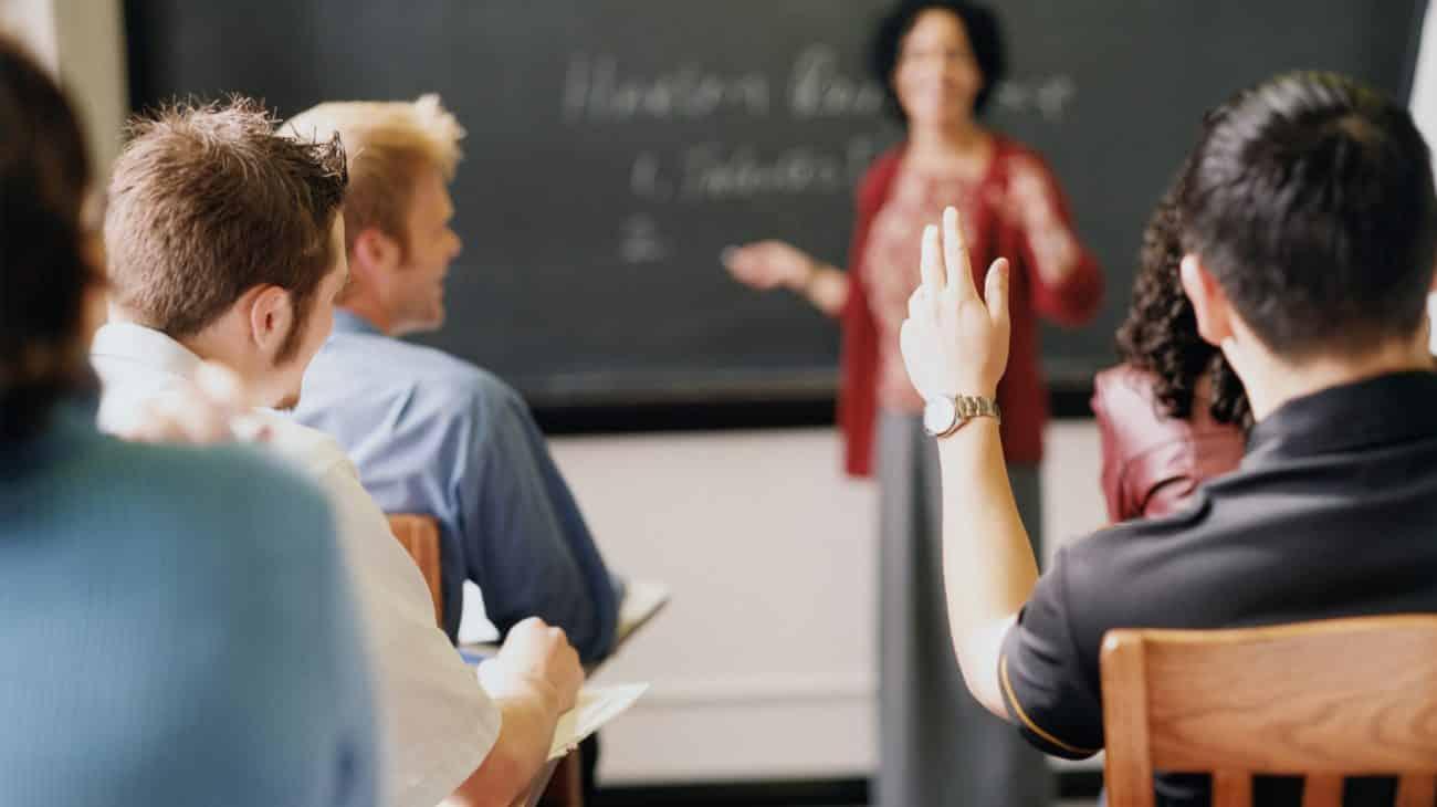 Qual a diferença entre faculdade e universidade?