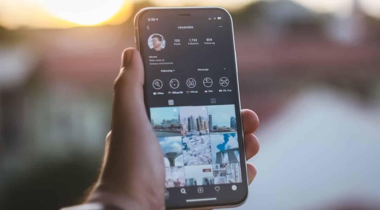 Instagram lança modo noturno para iPhone