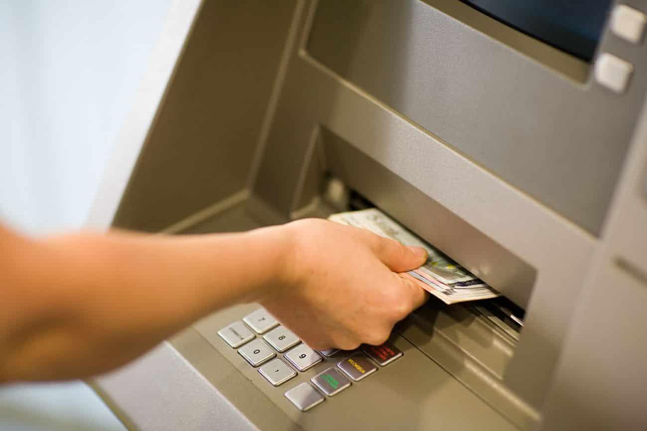 O que acontece com a conta bancária quando o titular morre?